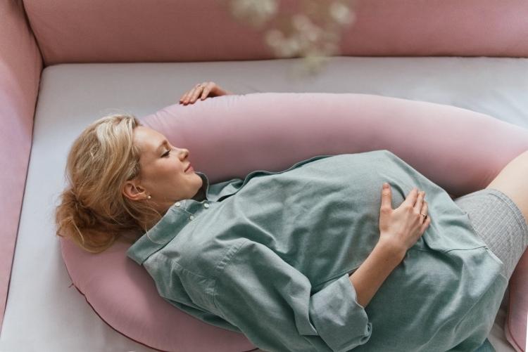 POOFI Poduszka ciążowa organic piwonia